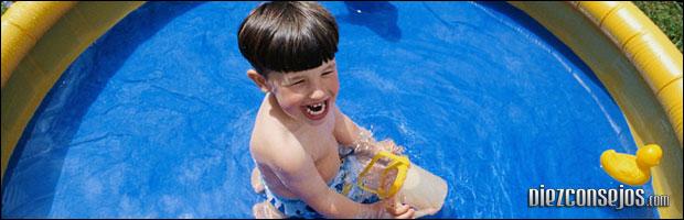 Cuidado de los niños en la piscina
